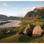 Der Strand von Uttakleiv auf den Lofoten