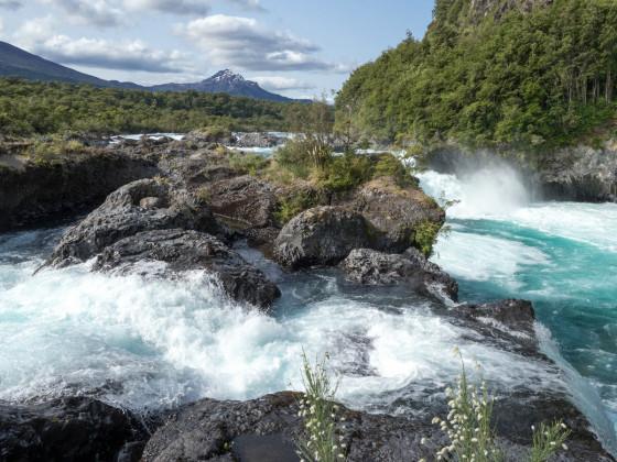 """Die """"Saltos del Rio Petrohue"""", am Fuße des Osorno"""